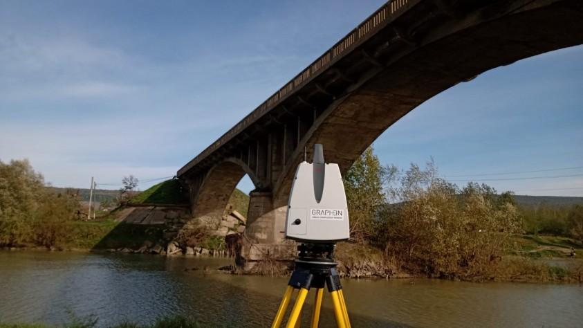 Podul Dolhasca in timpul realizarii scanarii 3D de catre echipa GRAPHEIN  Dolhasca GRAPHEIN GRAPHEIN