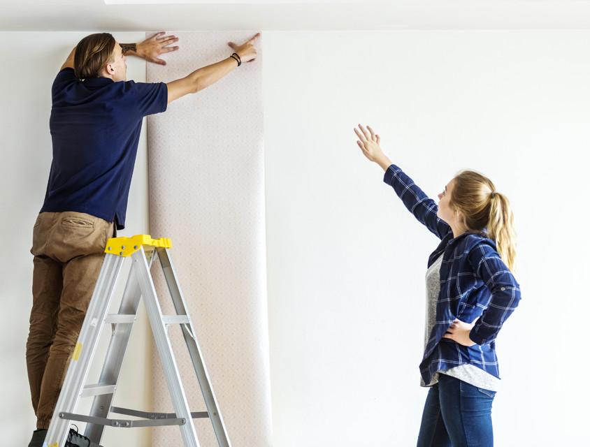5 întrebări despre lipirea tapetului