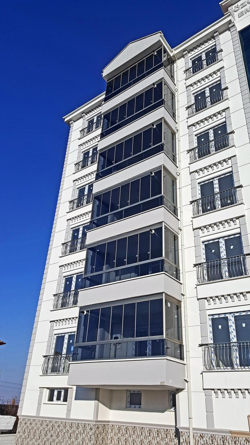 Sistemul glisant Tiara pentru închiderea teraselor și balcoanelor