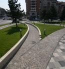 Amenajarea spatiului pietonal aleilor auto si parcarilor din Centrul Civic Alba Iulia cu pavaj furnizat de
