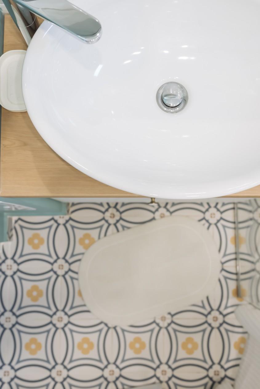 Cum combin armonios mai multe tipuri de plăci ceramice într-o încăpere? SOS, designer!