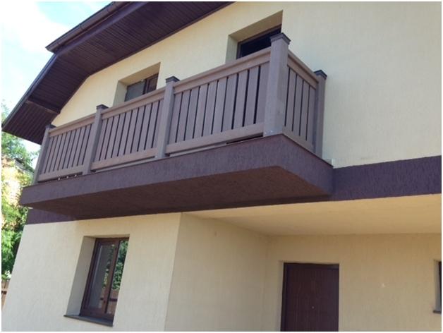 Balustrada din profile WPC utilizate la amenajarea balconului