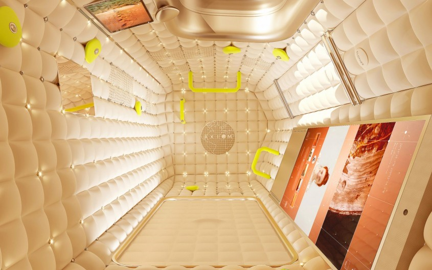 Cum îți sună o vacanță în spațiu în capsule marca Philippe Starck