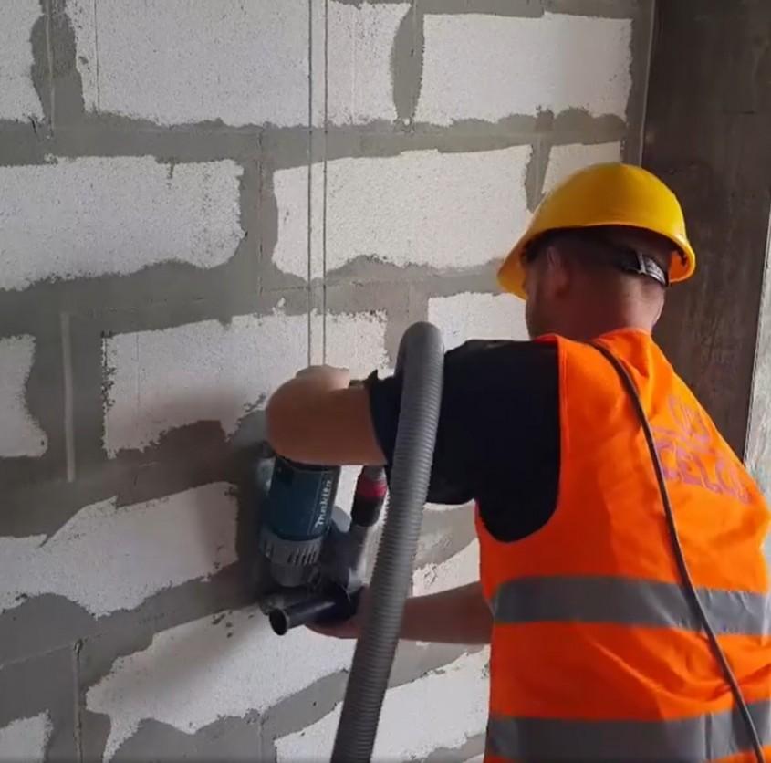 Celco: Ajutăm milioane de oameni să își construiască case călduroase și sănătoase