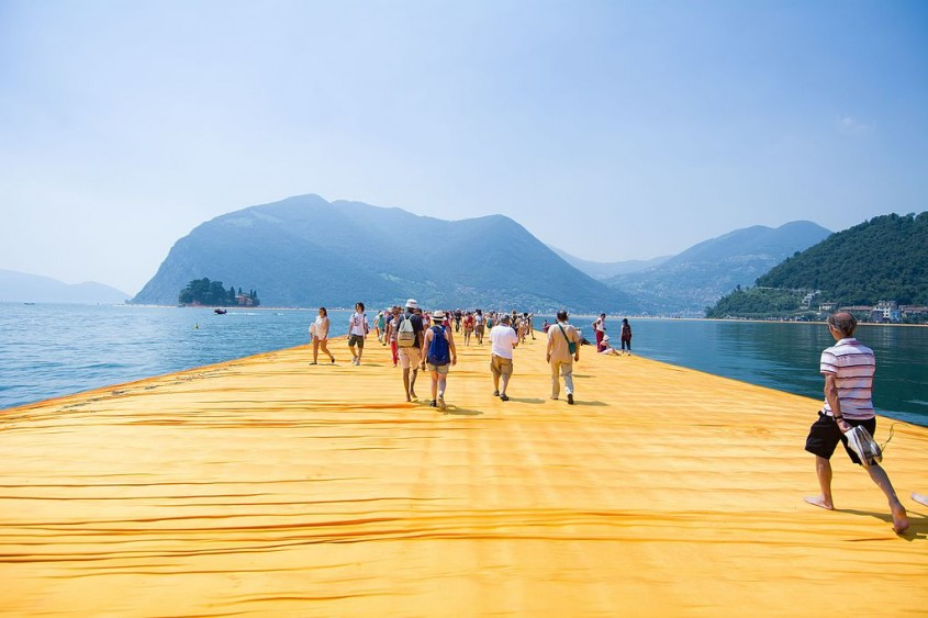 The Floating Piers - Lacul Iseo din nordul Italiei (2016)