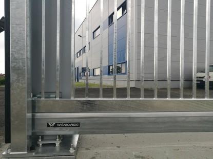 Poarta culisanta autoportanta PI200 Wisniowski - vazuta de aproape  Maramures AMERICASA