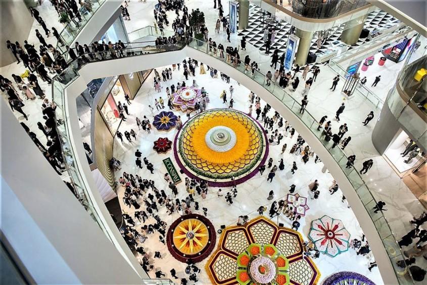 Pavimente si pereti interiori realizati cu placi ceramice fotocatalitice Active 2 0 - Complex comercial Iconsiam