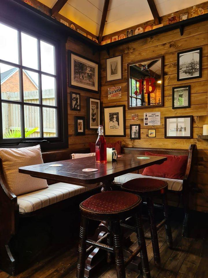 Idei în vreme de pandemie: Un pub în miniatură în curtea casei