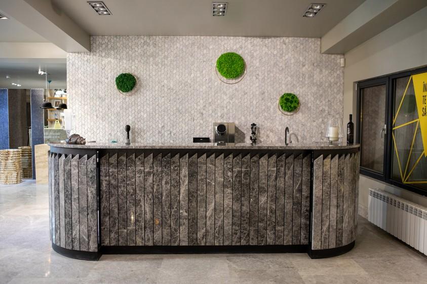Bar etaj  Bucuresti PIATRAONLINE