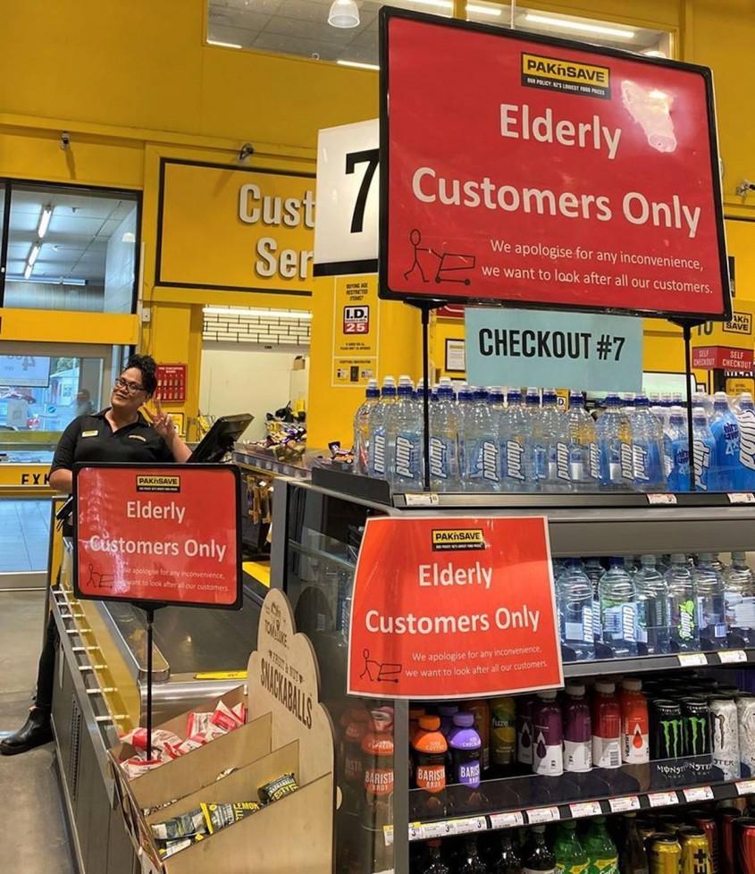 O casa deschisa doar pentru persoanele in varsta intr-un supermarket din Noua Zeelanda