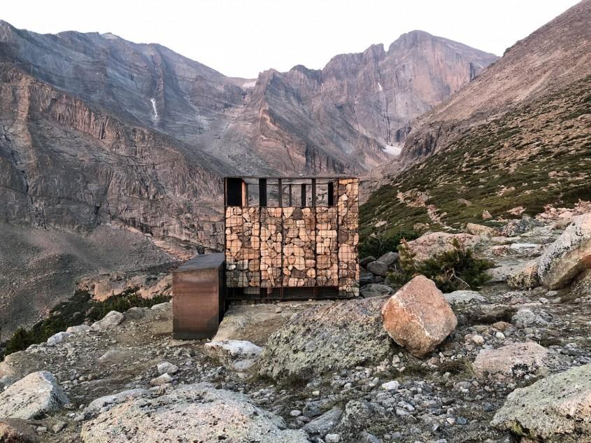 Toaletele de pe munte la fel de frumoase ca peisajul