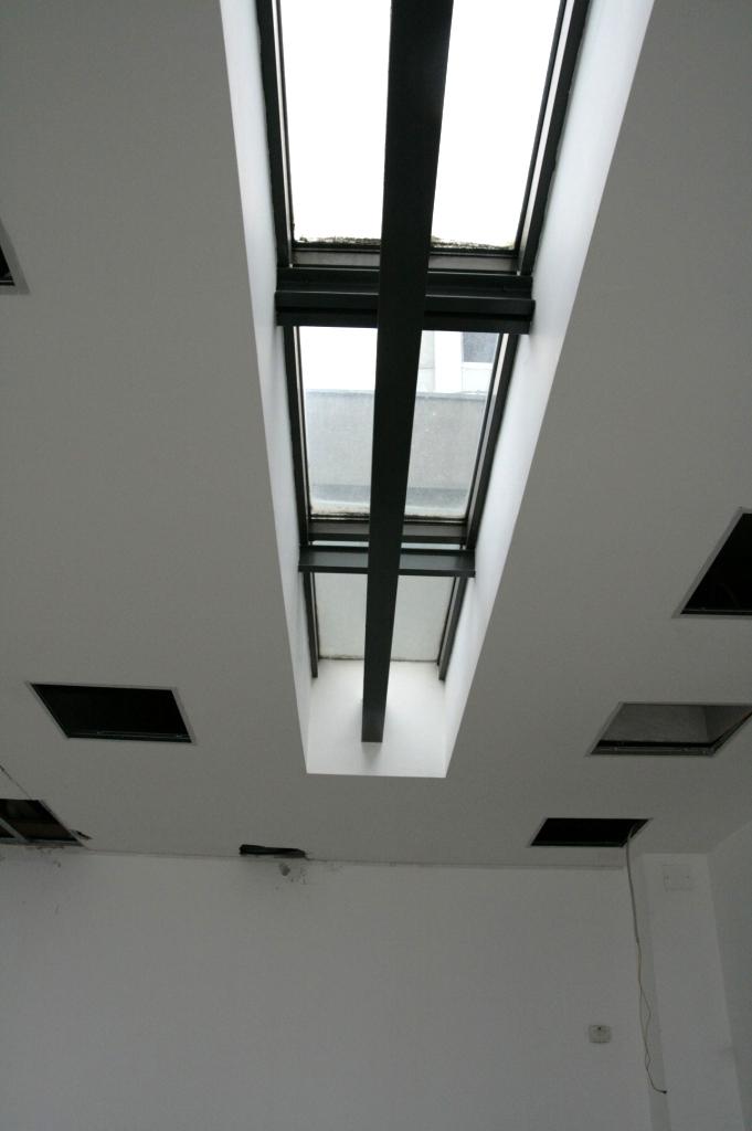 Aspect tavan inainte de amenajare  Bucuresti SAINT-GOBAIN CONSTRUCTION PRODUCTS ROMANIA - DIVIZIA RIGIPS