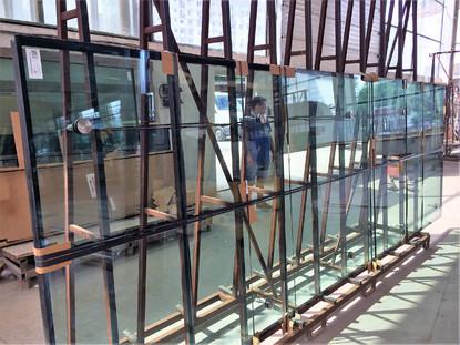 Fatada de sticla tip Spider Glass - geam termoizolant cu sticla securizata si laminata - Green