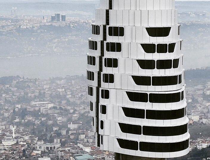 Un turn spectaculos din care poţi vedea unde se întâlnesc Europa şi Asia