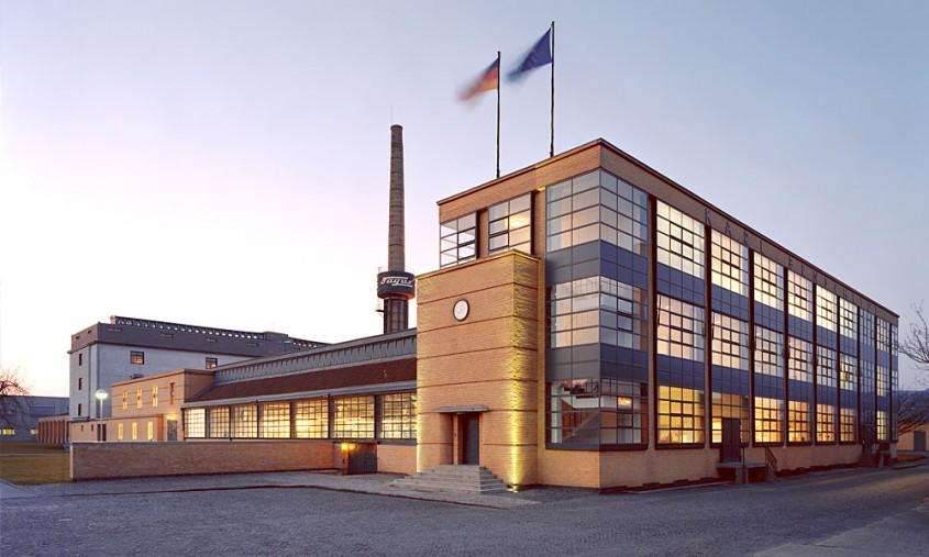 135 de la nașterea lui Walter Gropius, fondatorul fenomenului Bauhaus