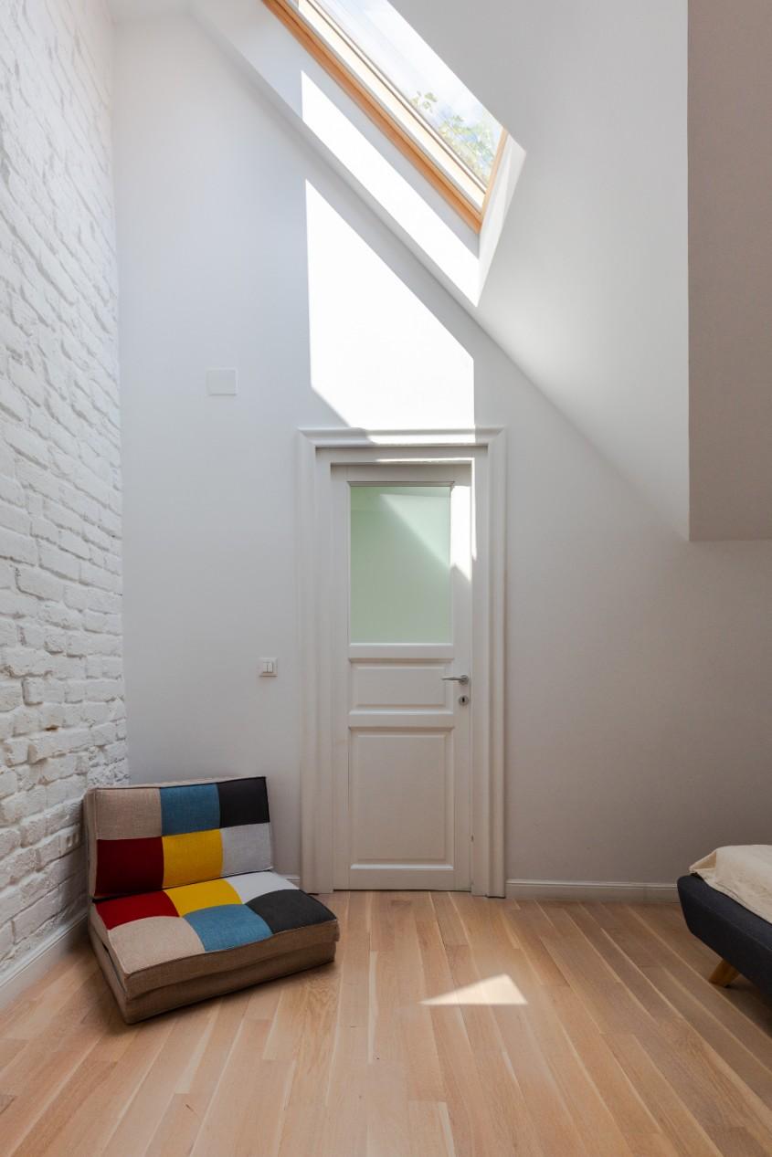 O casă din București într-o stare avansată de degradare primește o nouă șansă la viață