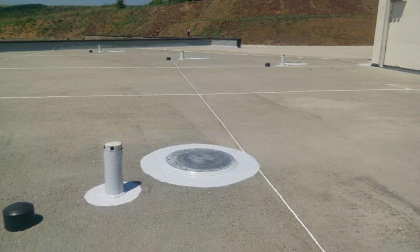 Membrană lichidă pentru hidroizolarea suprafețelor din spații umede (terase balcoane băi cabine de duș) – Simp