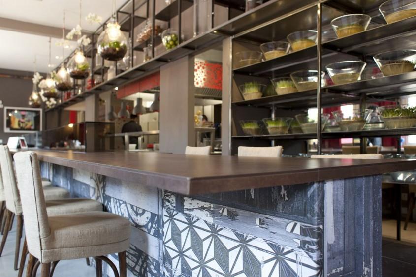 Blat realizat cu placi ceramice fotocatalitice Active 2.0 - Restaurant Evviva, Italia