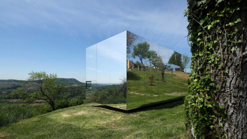 Fatada realizata cu panouri compozite din aluminiu ALUCOBOND, Locuinta privata Invisible, Slovenia