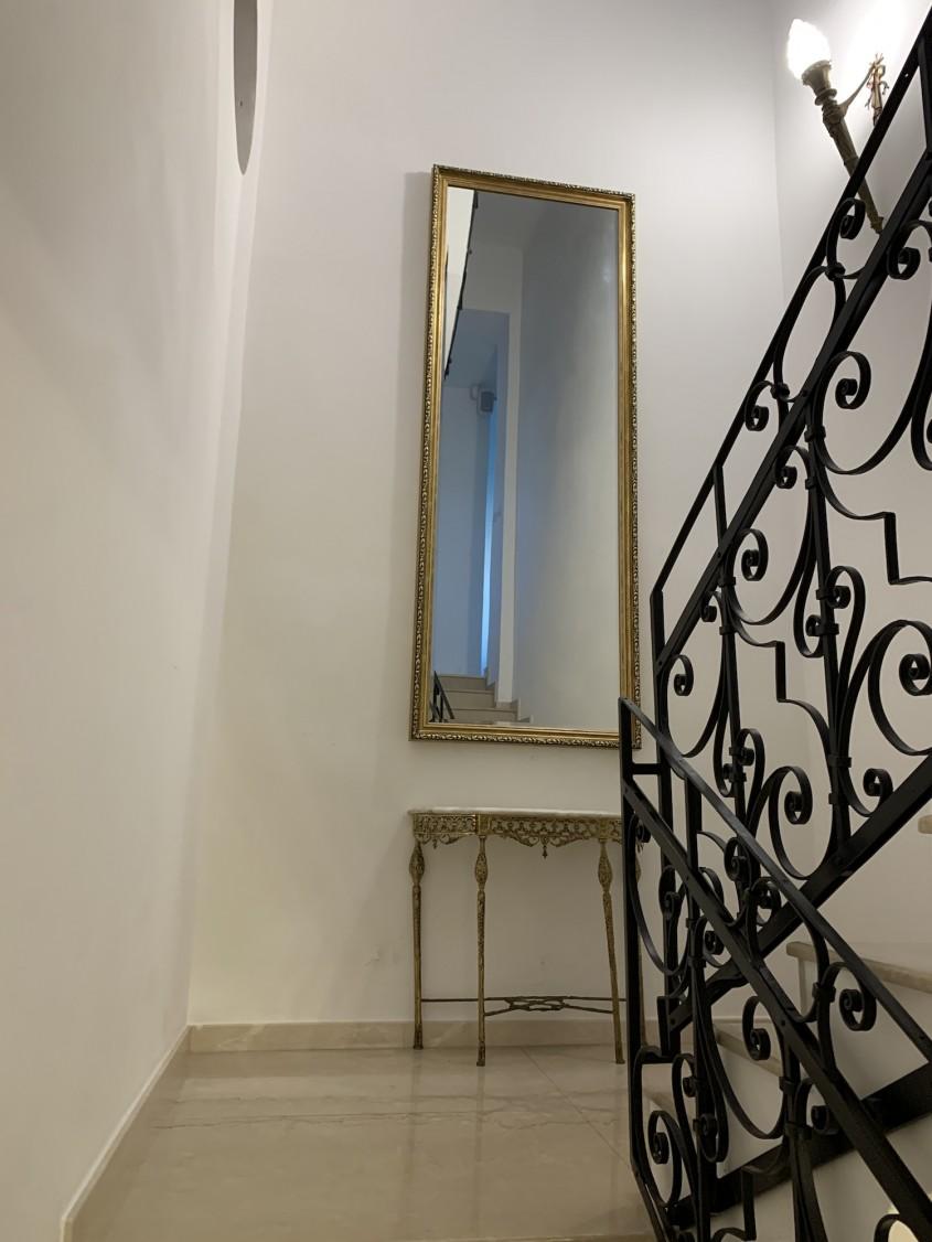 Amenajarea locuinței: oglinda decorativă și importanța ei