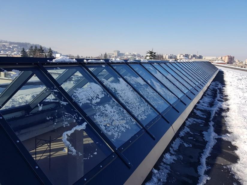 Luminator din sticla acoperis