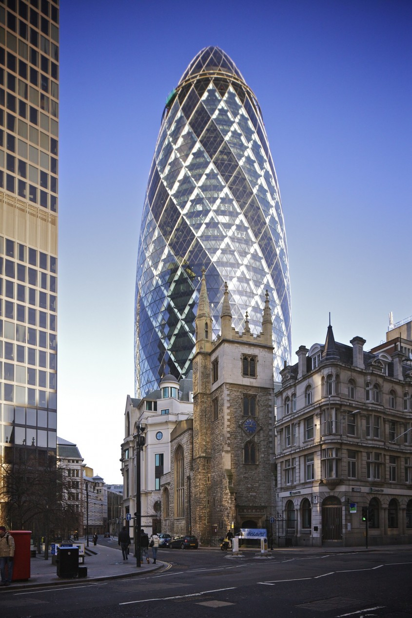 30 St Mary Axe (anterior Swiss Re Tower), Londra, 2004