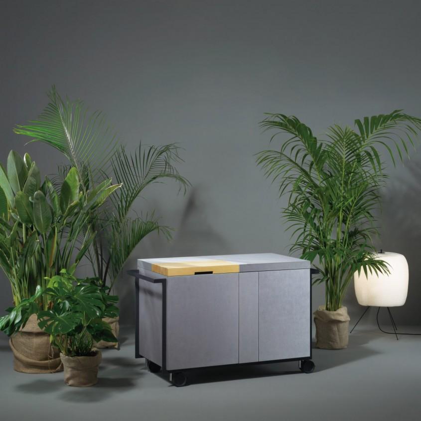 Aceste microbucătării japoneze prezentate la Salonul de Mobilă de la Milano sunt surprinzător de eficiente