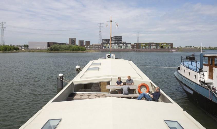 O veche navă de transport este acum o casă modernă