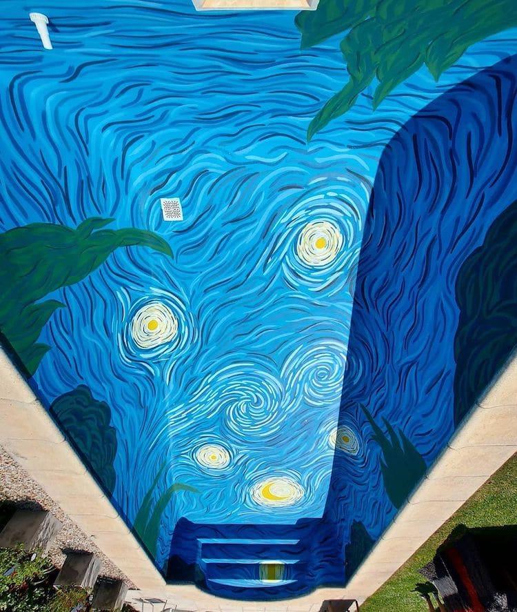 """În această piscină simţi că te cufunzi în """"Noaptea înstelată"""" a lui Van Gogh"""