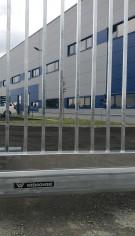 Instalare poartă culisantă industrială la Delta Engineering, Maramureș
