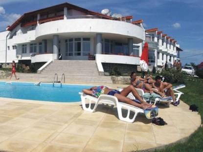 Piscina publica - Hotel Egreta  Dunovat KASTA METAL