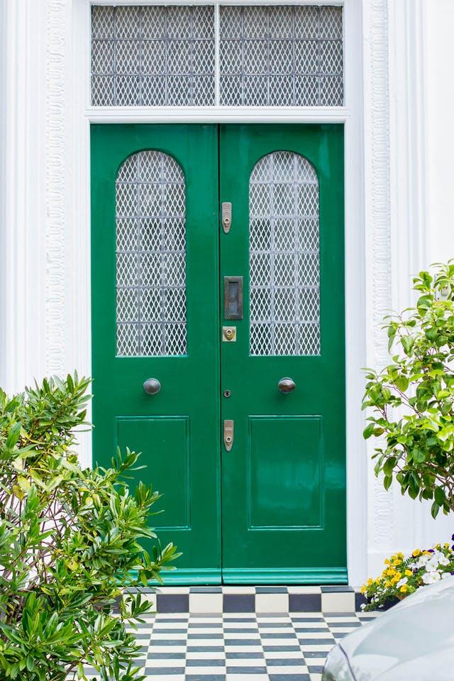 8 culori deosebite pentru ușa de intrare