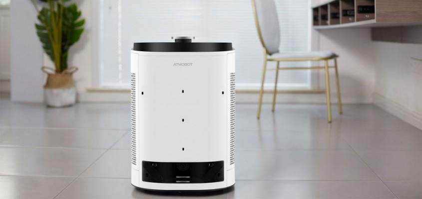 Purificatorul de aer care se plimba prin casa <p>Atmobot de la Ecovacs, companie chineza specializata pe roboti pentru curatenie, este un purificator de aer care se plimba dintr-o camera in alta, evaluand calitatea aerului si curatandu-l de impuritati acolo unde este necesar. Odata ce aerul devine suficient de curat, se muta in alta parte a casei si reia procesul de purificare.</p>