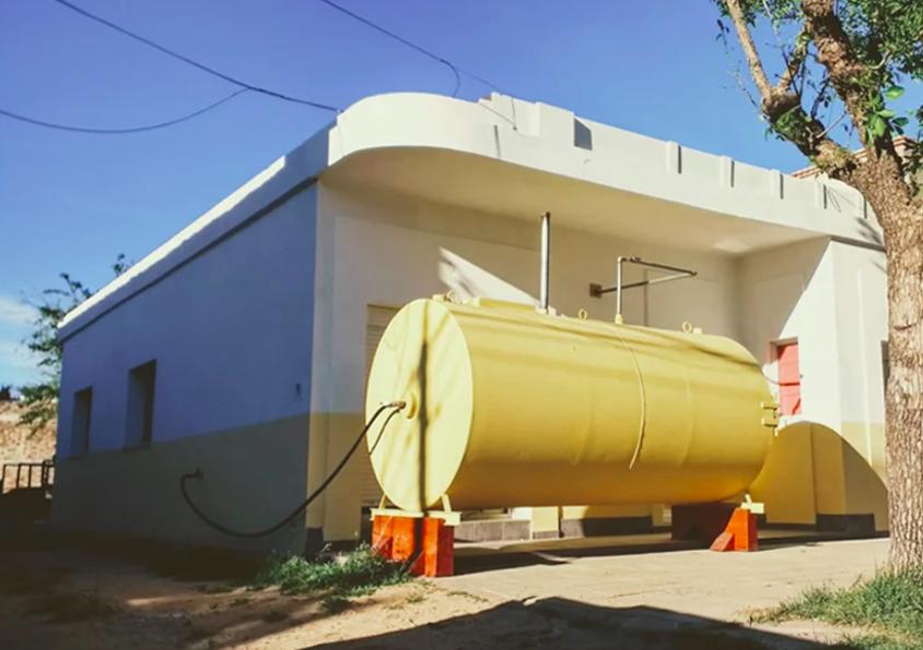 """Proiectul """"Buncăr"""":  O cisternă veche în care poți locui"""