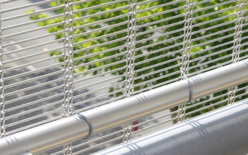 Plase din inox incombustibile pentru fatade si parasolare