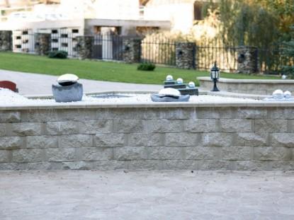 Bloc de zid premium folosit la amenajarea exterioara  Alba Iulia ELIS PAVAJE