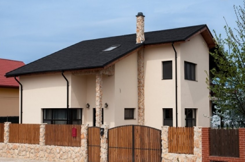 Țiglă metalică cu piatră naturală METROTILE - Ideală pentru proiecte publice, rezidențiale, biserici și locuințe individuale