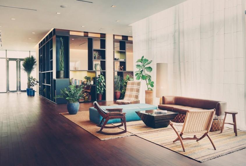 """Spoturile incastrate <p>In locul clasicului bec din mijlocul tavanului, tot mai multi designeri si arhitecti folosesc in proiectele lor de amenajari interioare corpurile de iluminat incastrate. Pe langa aspectul lor modern, acestea bifeaza plusuri si la capitolul functionalitate, putand fi folosite atat pentru iluminatul general, cat si pentru a asigura o foarte buna vizibilitate in zone specifice, cum ar fi blatul de lucru din bucatarie. Pot fi folosite totodata pentru iluminat ambiental sau de accent.<br _mce_bogus=""""1""""></p>"""