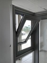 Mecanisme pentru usi si ferestre pivotante