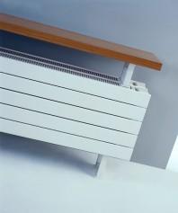 Calorifer orizontal de plinta, tip banca - Panel Plus Bench