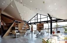 Un vechi restaurant japonez transformat in salon de coafura