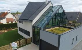 Tendințe în sustenabilitate pentru clădiri mai performante și o planetă mai sănătoasă