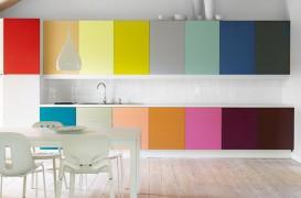 Cele mai colorate și creative dulapuri de bucătărie