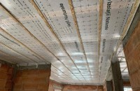 Izolația din fibră de lemn. Proprietăți, beneficii și metode de instalare