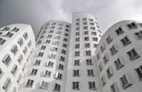 A fost creat un nou tip de vopsea albă, cu proprietăţi îmbunătăţite de răcire a clădirilor