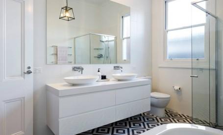 Cum alegi oglinda potrivită pentru baie