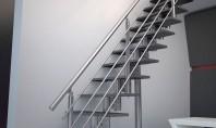 Scară modernă dreaptă şi cu turnantă Ambele scari sunt formate din 14 trepte avand la fiecare