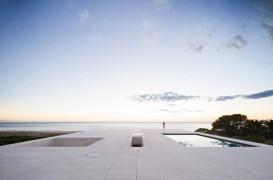 10 case de pe plajă care oferă priveliști spectaculoase, realizate de arhitecți contemporani
