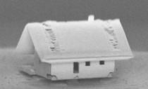 Această casă incredibil de mică a fost construită de micro-roboți și demonstrează potențialul unei tehnologii revoluționare