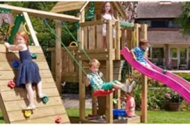 Cumpărați un loc de joacă din lemn în 4 pași simpli